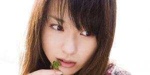 戸田恵梨香は歯茎を手術で治した?タバコで黒い歯茎を隠すって本当?