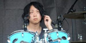 ONE OK ROCK Tomoyaの結婚相手(嫁)と彼女(元カノ)は誰?名前や顔、年齢は?